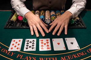 Basics Poker 32517